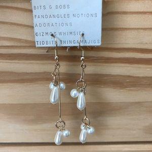 NWT Anthropologie pearl dangling earrings
